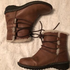 UGG Australia Lace Up Boots Size 7